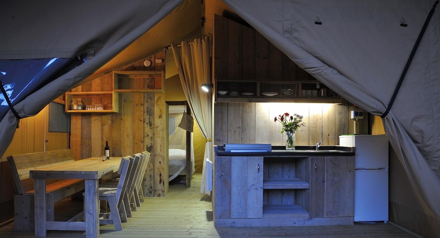 """Camping de luxe im französischen """"Dschungel"""""""