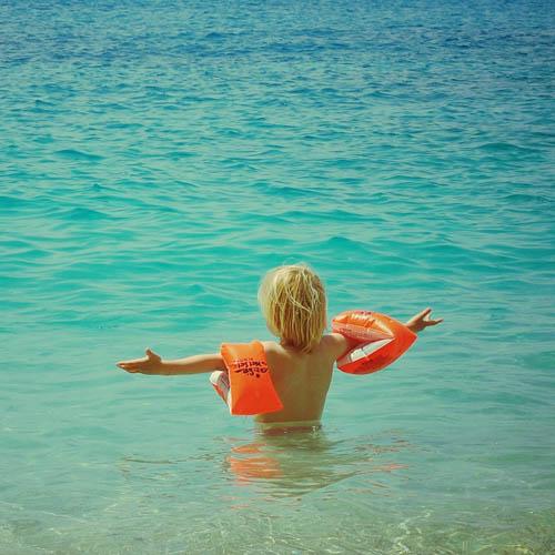 Mit Kindern an den Strand: Diese Dinge dürfen nicht fehlen!
