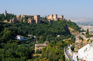 Unbedingt sehenswert: Die Alhambra (Foto: Pixabay)