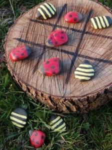 Hübsch und einfach nachzumachen: Bemalte Steine (Foto: Pinterest)