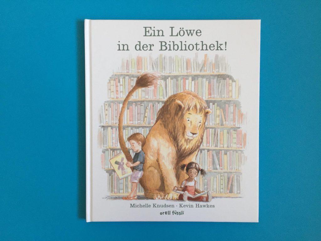 Bilderbuch Ein Löwe in der Bibliothek