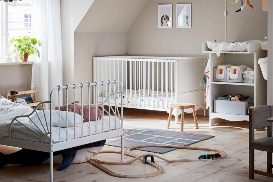 Kinderzimmer Geschwister Mädchen Ikea Mädchenbett Babybett weißes Kinderzimmer spielen Wohnen Kidsstuff Wickelkommode Mädchenzimmer Geschwisterzimmer