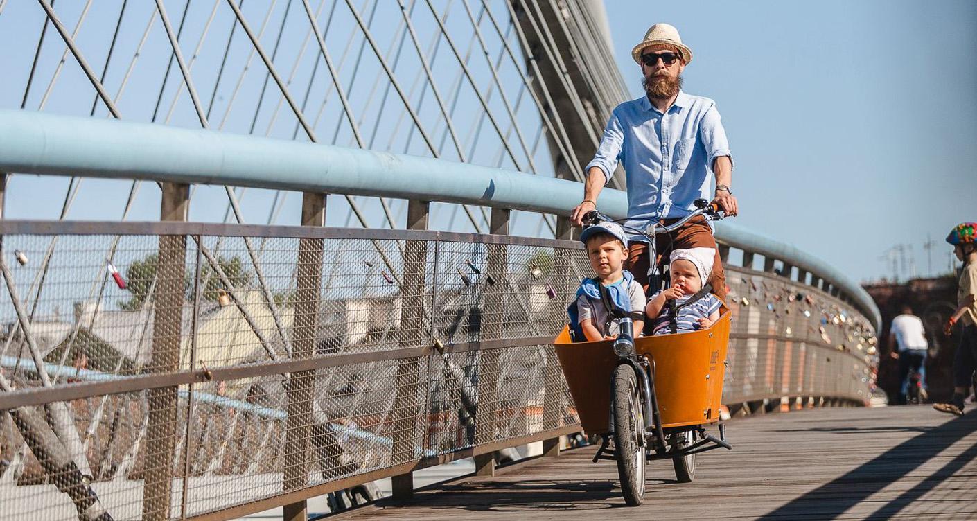 Mit Fahrrad, Einkauf und Kindern unterwegs: Die 12 coolsten Lastenfahrräder für die City