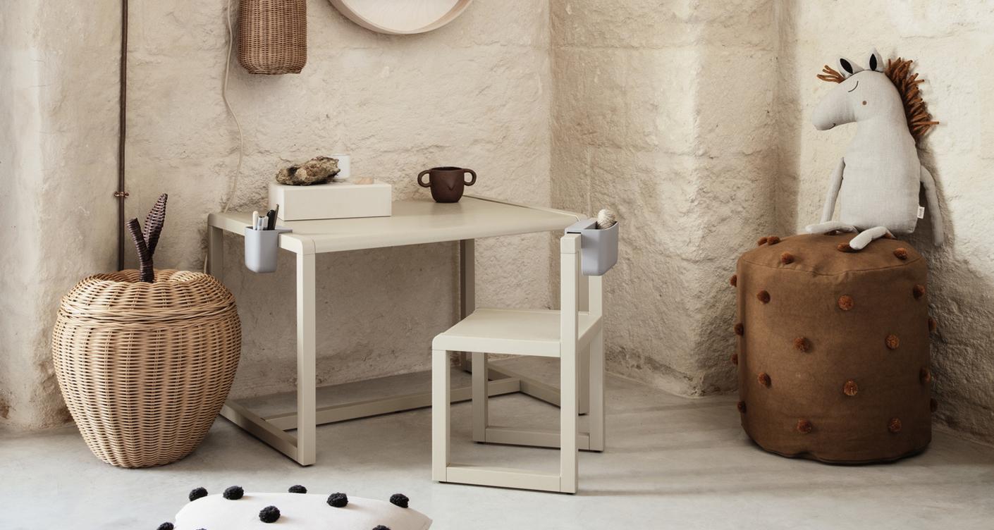 Sitzecke im Kinderzimmer: Schöne Tische und Kinderstühle