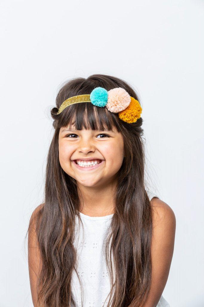 Haarreifen Und Haarspangen Fur Kinder So Gelingen Schnelle Frisuren