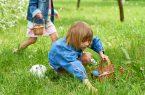 Kinder bei der Eiersuche