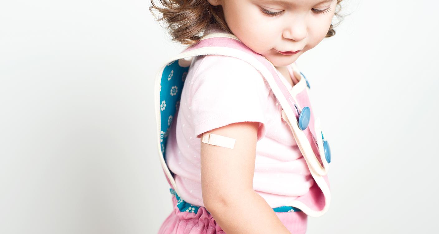 Streitthema: Kinder gegen Masern impfen?