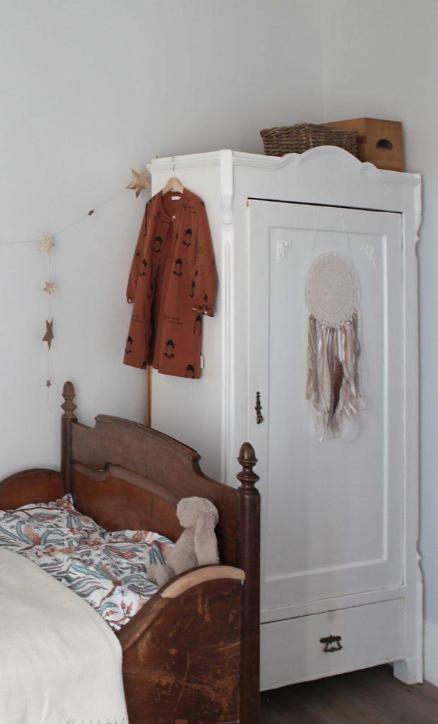 Vintage Kleiderschrank Kinderzimmer