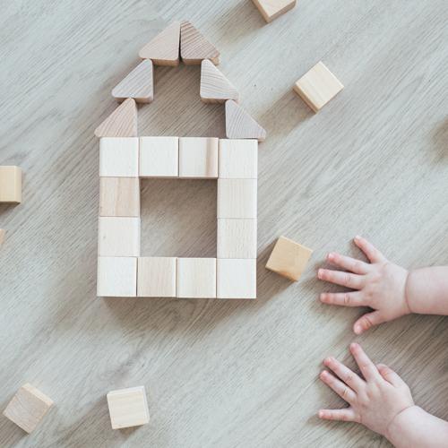 Spielzeug im Bauhaus-Design: Der Welt eine Form geben