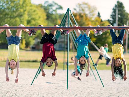Sport im Sommer: die schönsten Aktivitäten für Kinder in den Schulferien