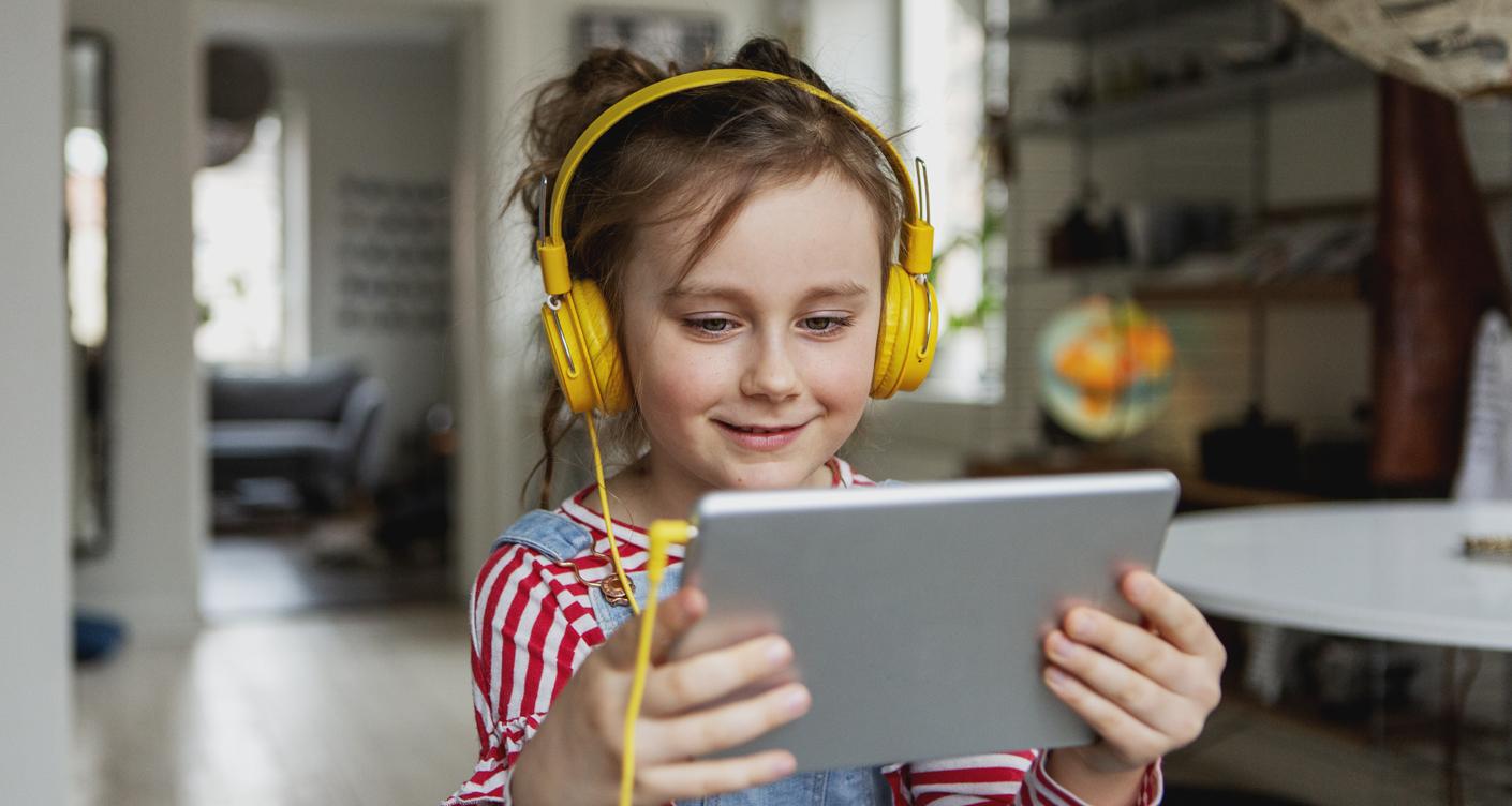 Kopfhörer und Musikplayer für Kinder