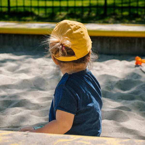 Mit dem richtigen Kinder Sonnenschutz durch den Sommer