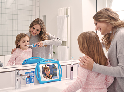 Kinderzähne elektrisch putzen: So geht es einfach!