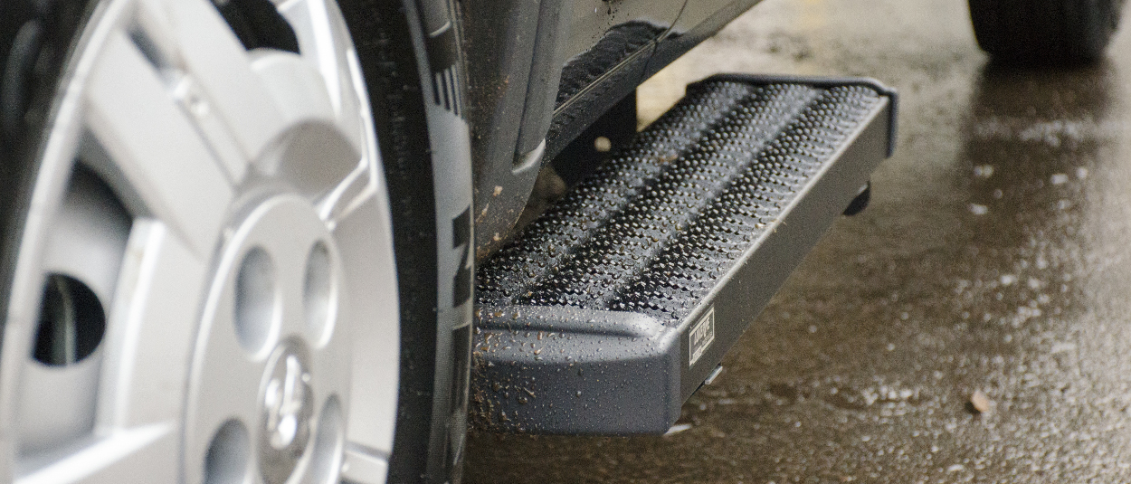 LUVERNE Grip Step™ van running boards