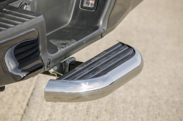 LUVERNE MegaStep® receiver hitch step