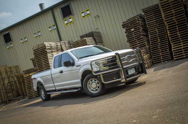 White Ford F150 with LUVERNE Prowler Max™ truck grille guard