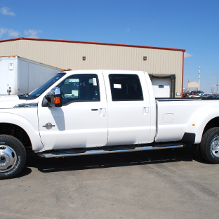 2012 Ford F350 Super Duty with LUVERNE Regal 7™ truck side steps