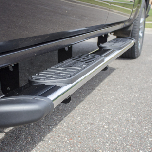LUVERNE Regal 7™ truck side steps on grey truck