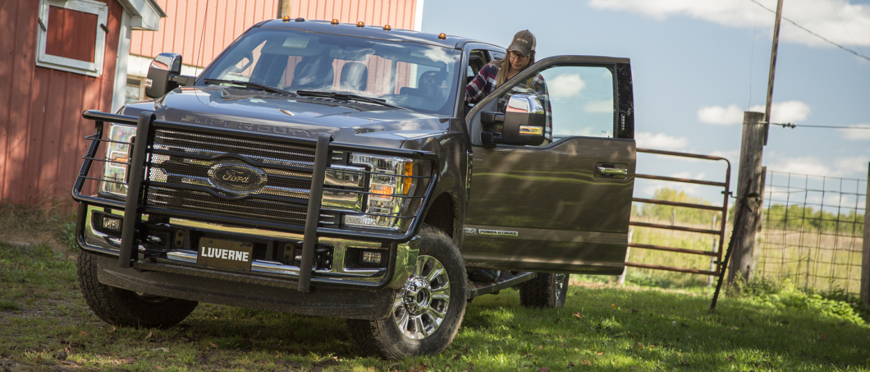 2017 Ford F350 farm truck with LUVERNE running boards