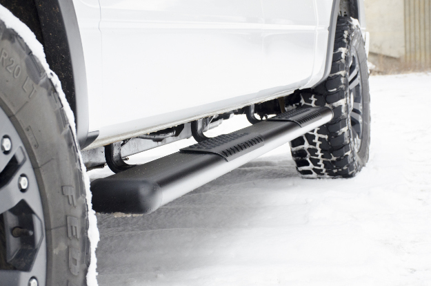 LUVERNE O-Mega II™ oval side steps on white truck