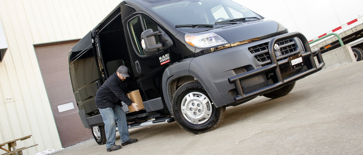 Ram ProMaster 2500 with LUVERNE O-Mega II™ side steps