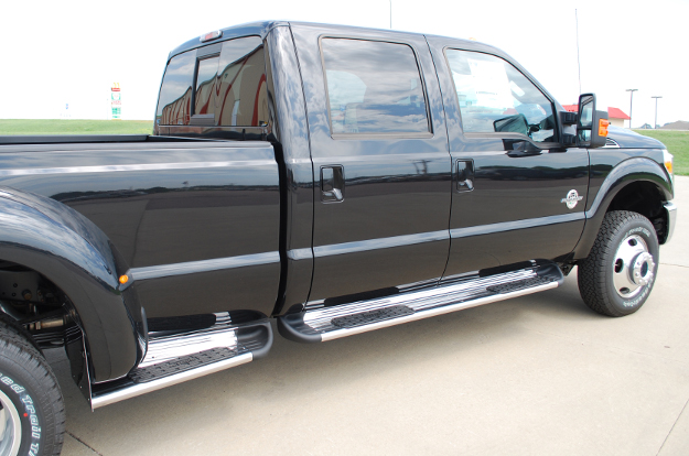 Ford F350 with LUVERNE Side Entry Steps and Box Extensions