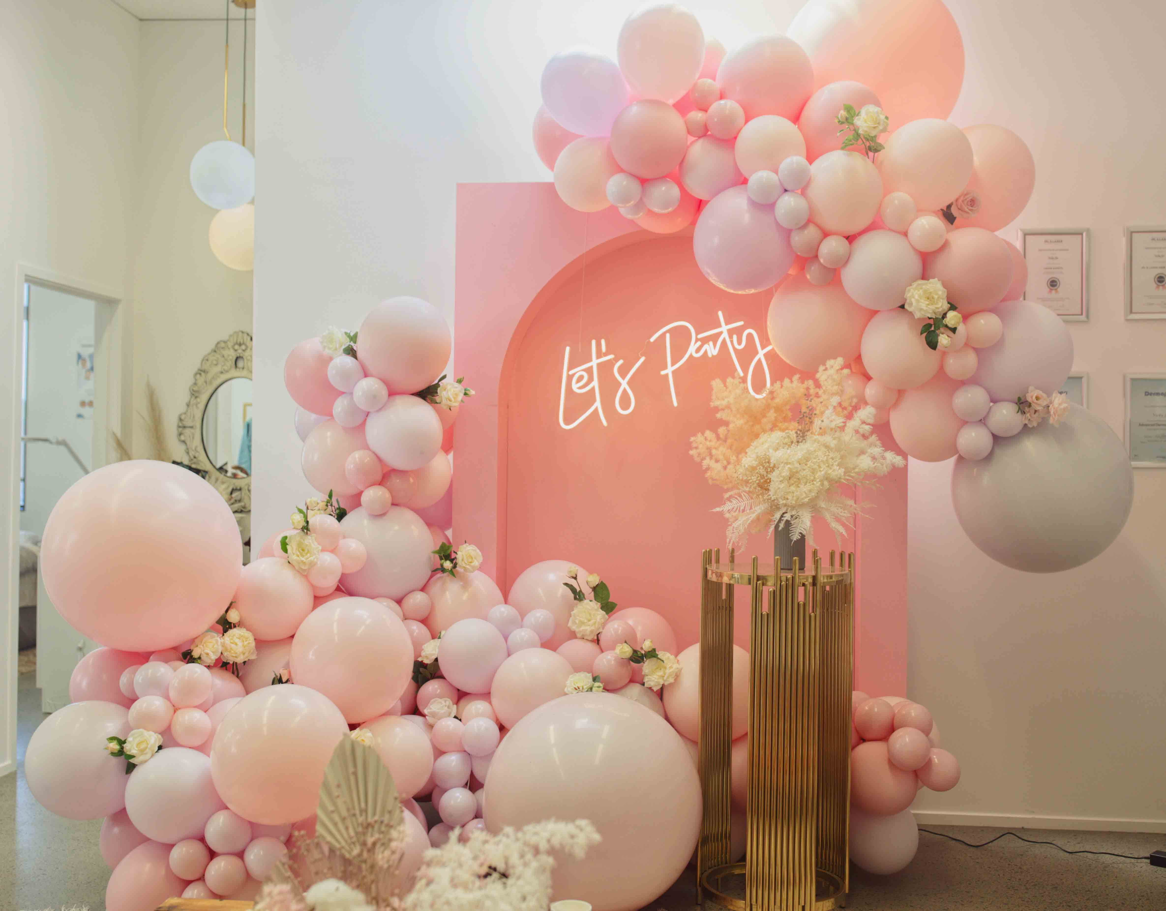 Styling & Hire Luxe Dream, Florals by Luxe Dream Floral Studio, Balloons by Champers Party Shop