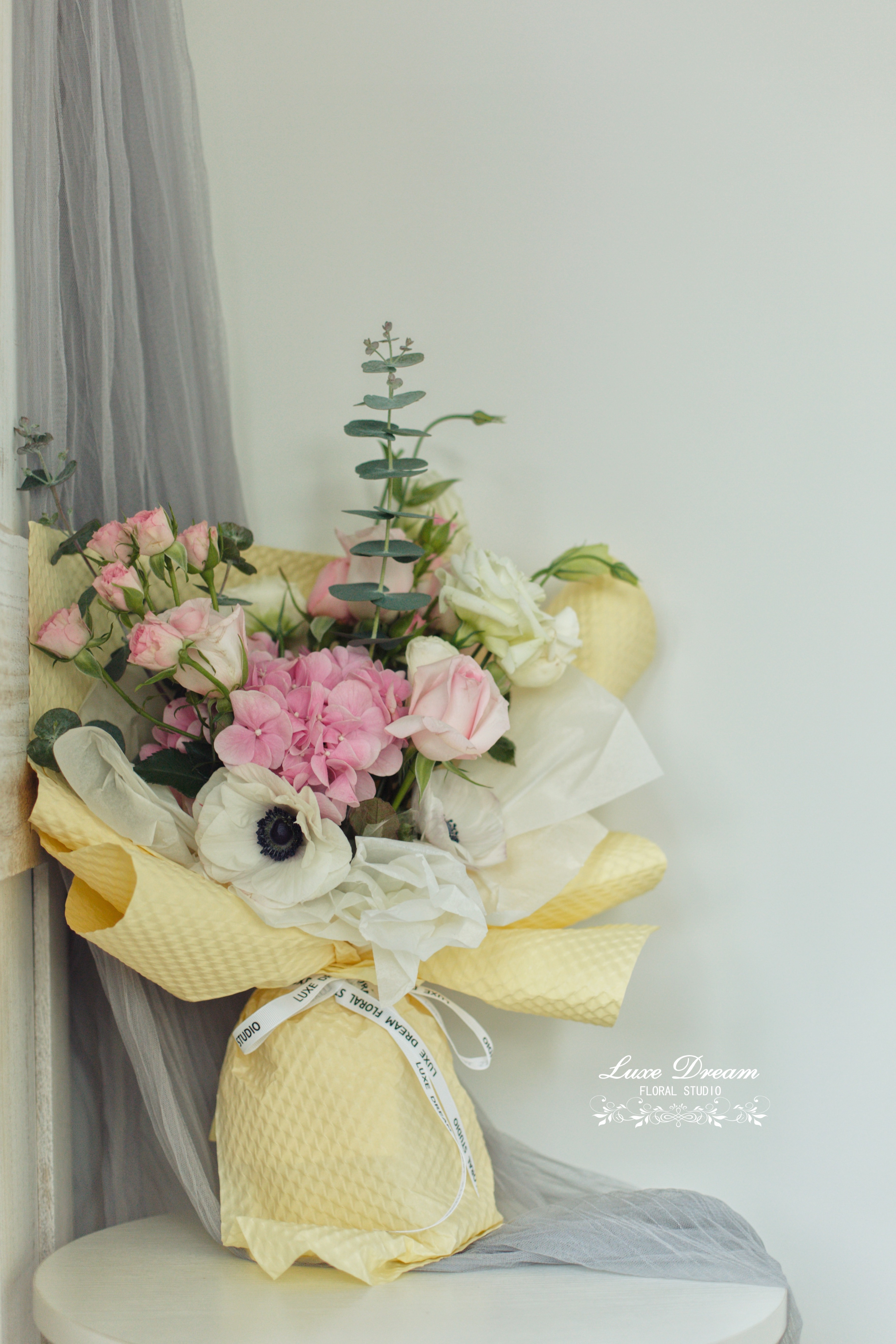 Flower Arrangement by Luxe Dream Floral Studio