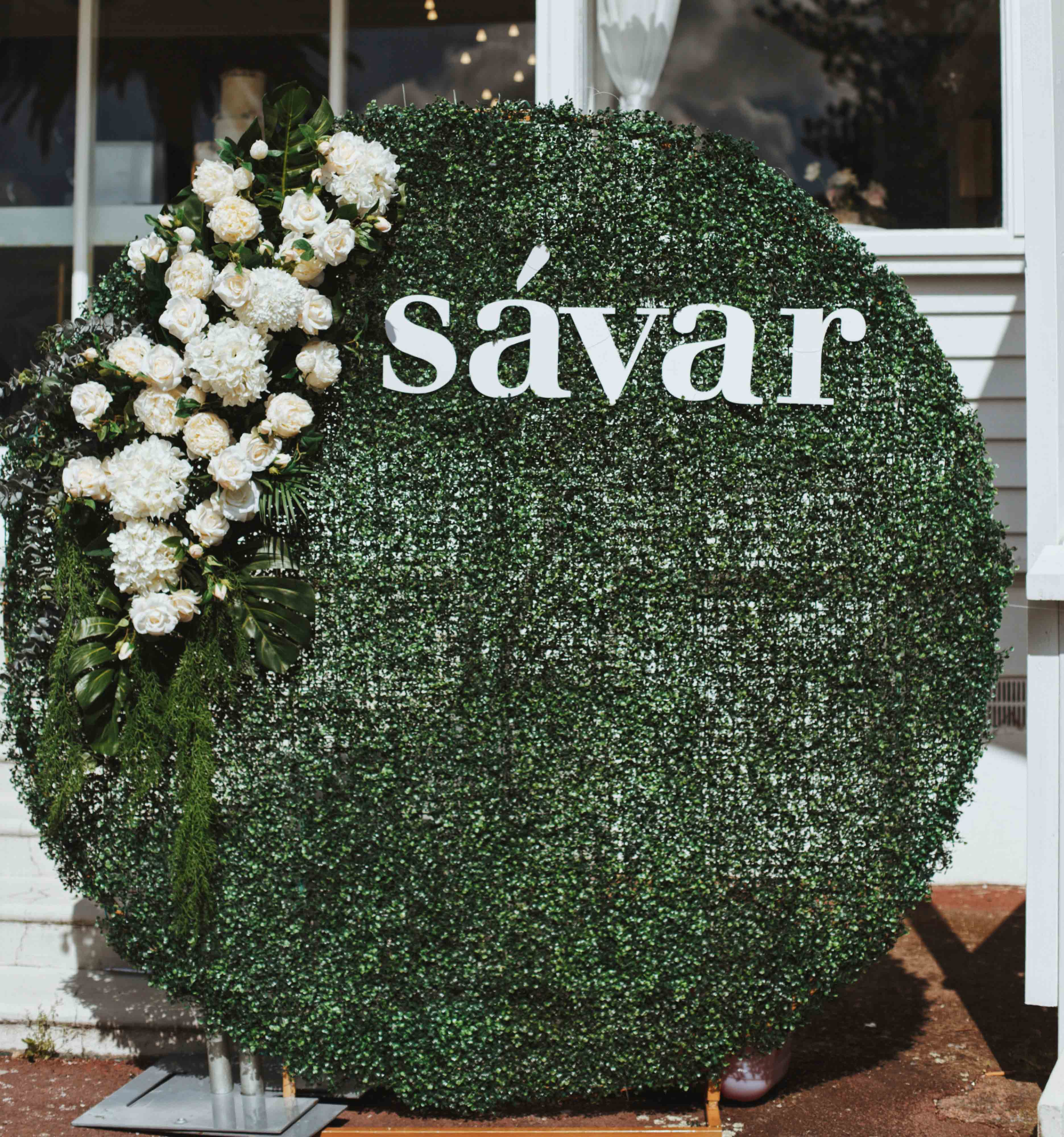 Hedge Wall and Sign by Luxe Dream Event Hire / Flowers by Luxe Dream Floral Studio