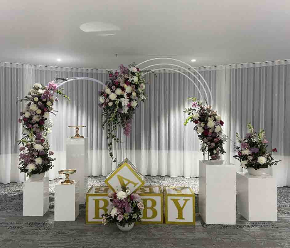 BABY Acrylic Blocks + White Arch + White Plinths by Luxe Dream