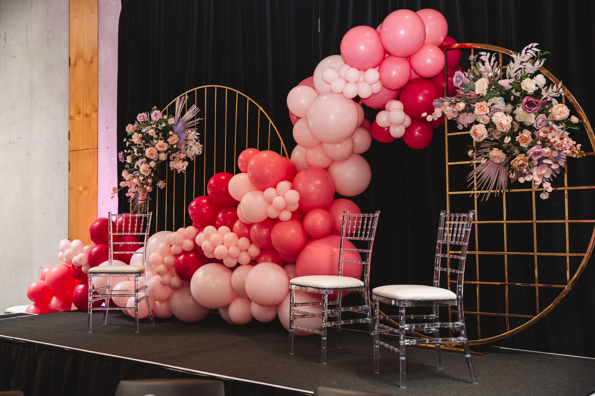 Half Cage Hoop and Bar Hoop hired by Luxe Dream, florals by Floral Studio