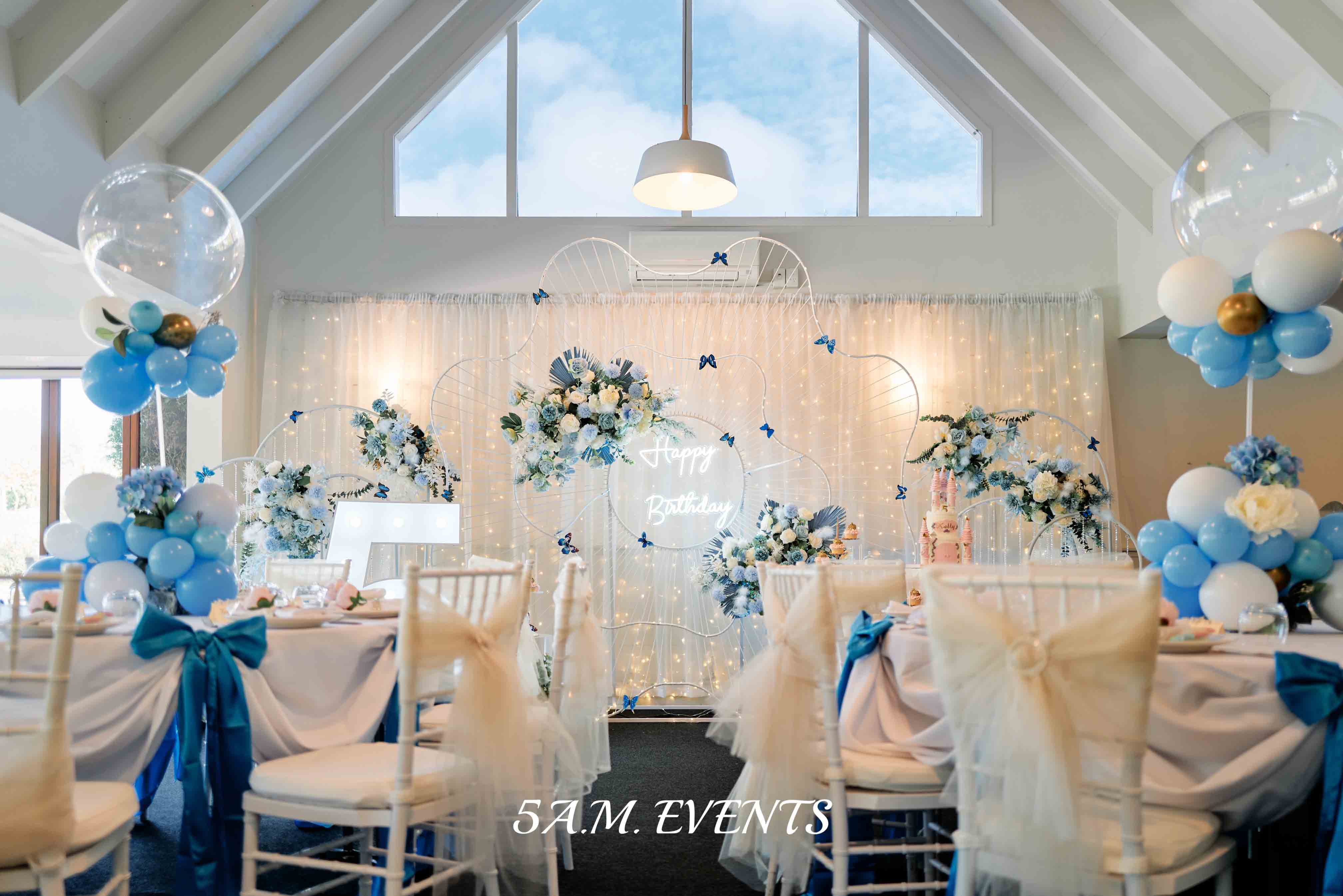 Florals by Luxe Dream Floral Studio, Event Styling 5am
