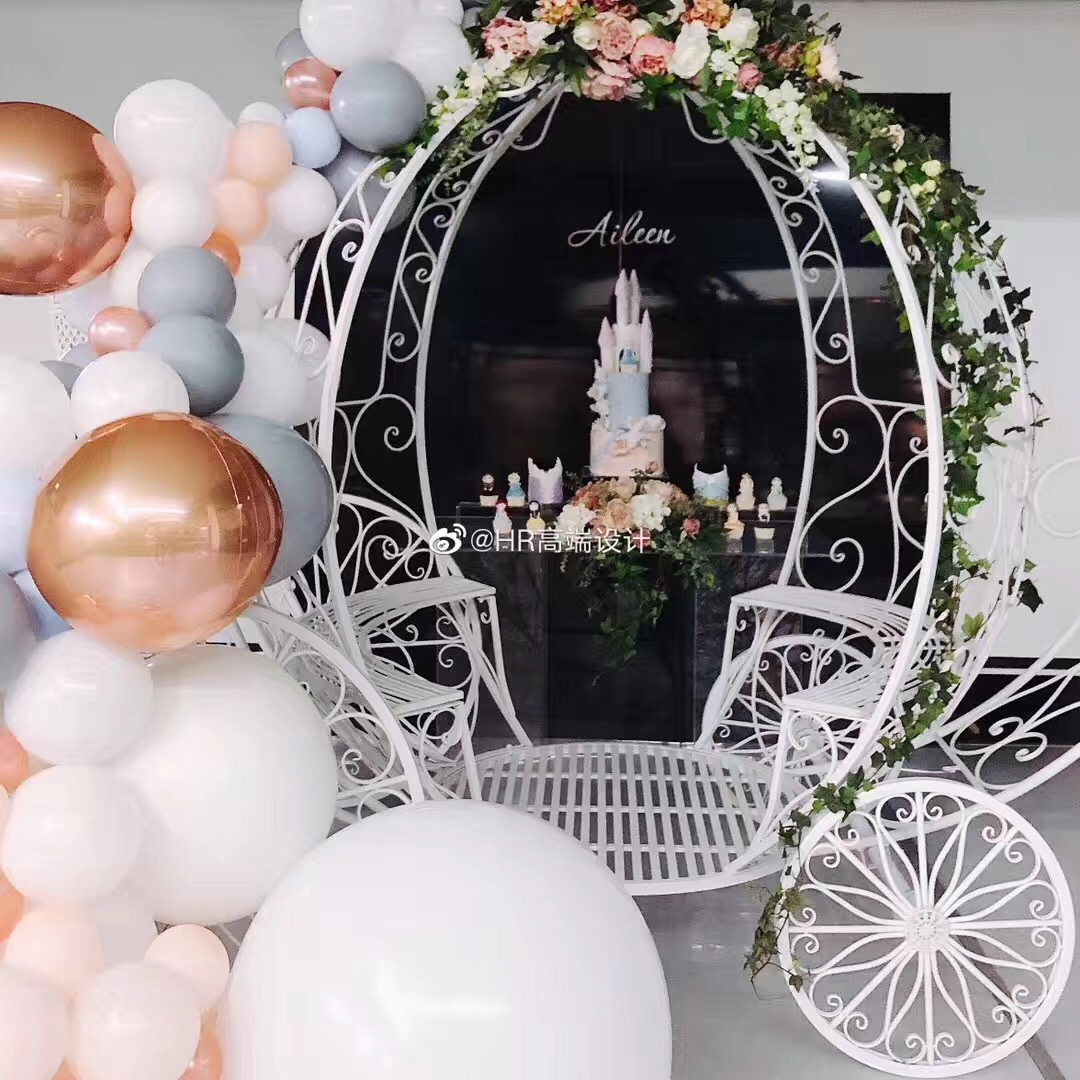 Cinderella Cart by Luxe Dream Event Hire / Planning and Design by H+R Event Design