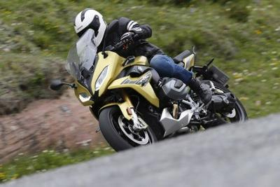 2019 BMW R1250RS First Ride in the Alps