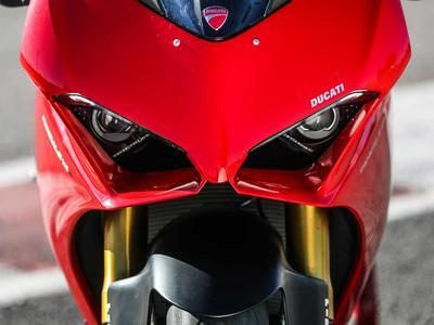 2019 Ducati Panigale V4 S MC Commute Review