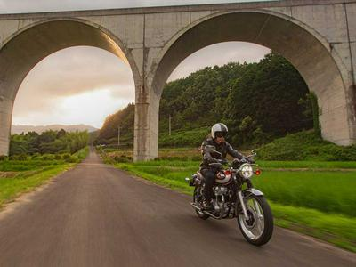2020 Kawasaki W800 Preview Photo Gallery