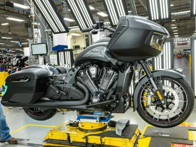 2020 Indian Motorcycle Challenger Preview Photo Gallery