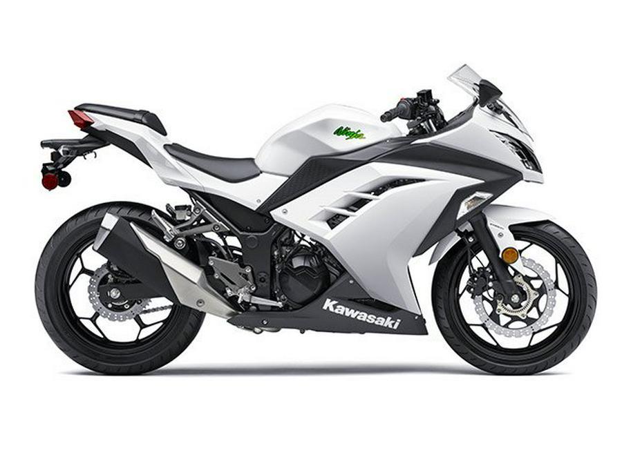 2016 Kawasaki Ninja 300 ABS ! 5200 miles