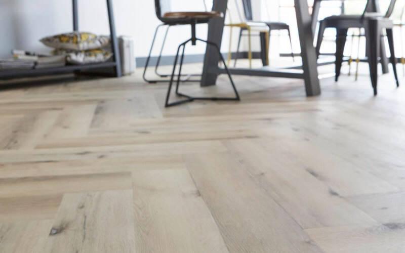 Moderne Visgraat Vloer : Pvc vloeren pvc vloer visgraat pvc tegels m select