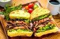 仔羊のスモーク サンドイッチ