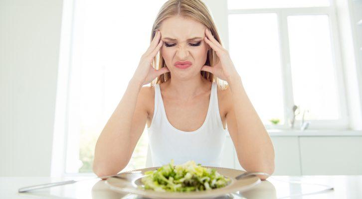 Kan man gå upp i vikt av att äta för lite?