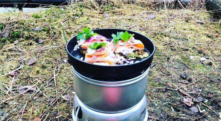 Laga mat utomhus i stormkök (med recept!)