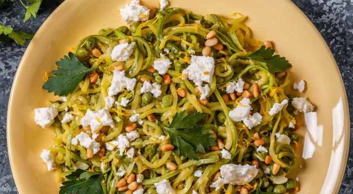 Köttfri måndag? Testa denna supergoda, proteinrika zucchinipasta!