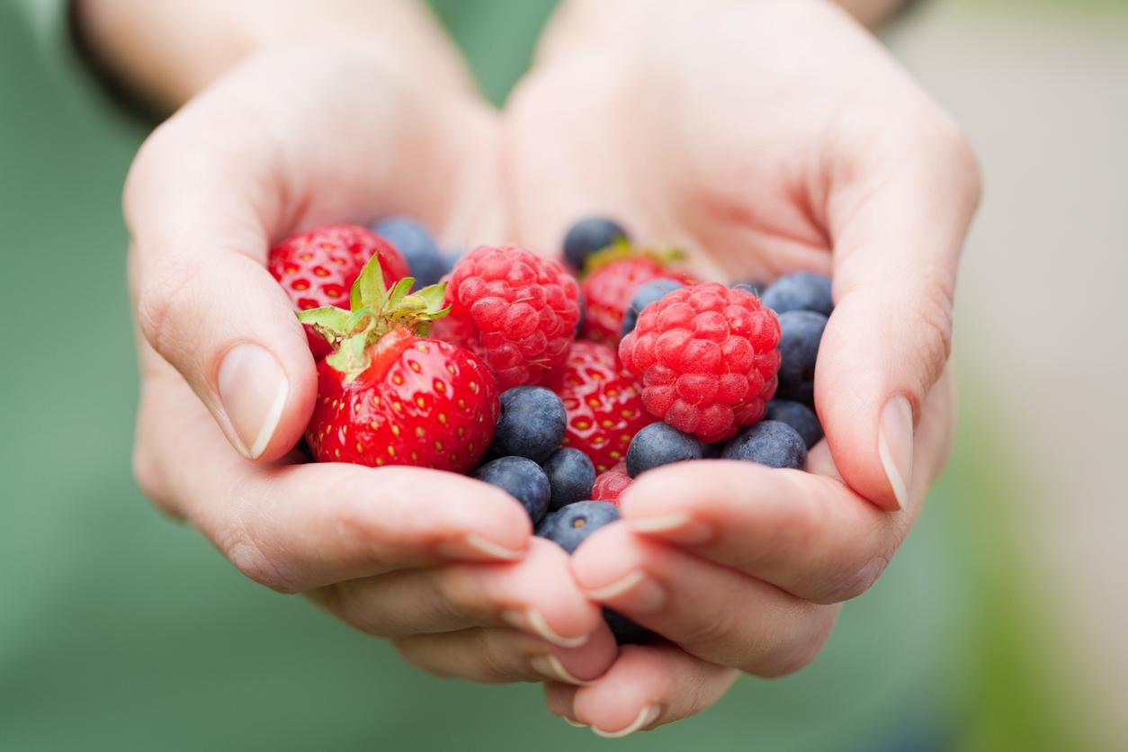jordgubbar och blåbär
