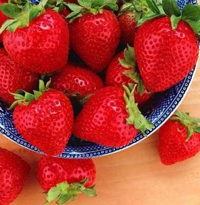7 Manfaat Strawberry Bagi Kulit Super Sempurna