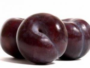 manfaat buah plum merah