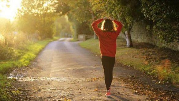 12 Manfaat Jalan Kaki 30 Menit Pagi Hari Secara Teratur
