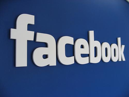 8 Manfaat Facebook Bagi Pelajar Serta Dampak Negatifnya