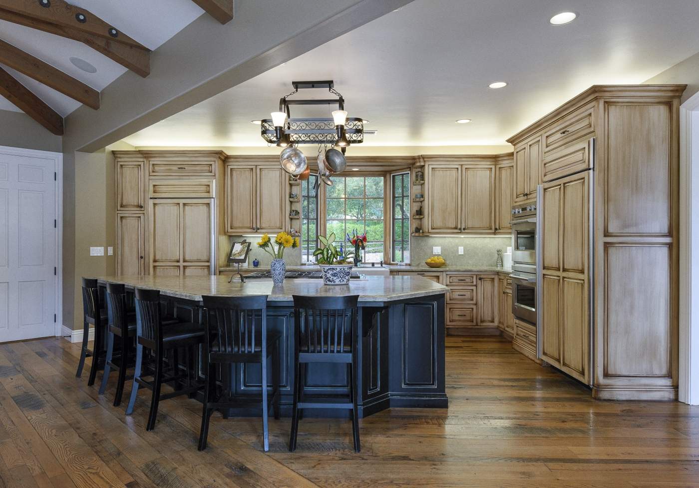Entertainer's Kitchen With Ample Space