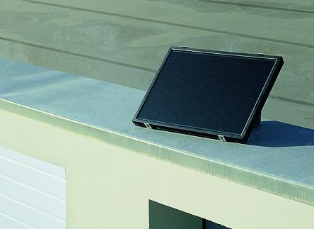 Sončni modul za polnjenje akumulatorja za pogone garažnih in dvoriščnih vrat